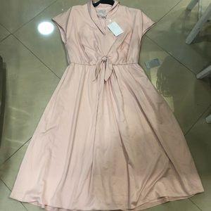 Gal Meets Glam Dresses - NWT Gal Meets Glam Margie Tie Waist Dress-Size 18
